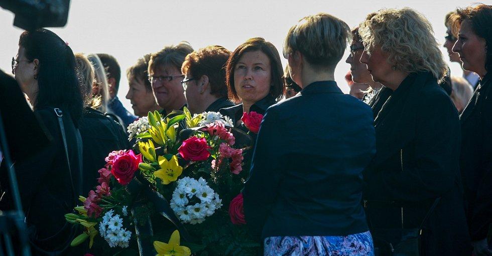 Pohřeb Věry Špinarové, ústřední hřbitov ve Slezské Ostravě.