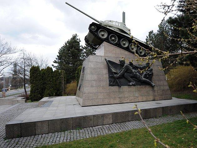 Tank sčíslem 051památník 1.československé tankové brigády.