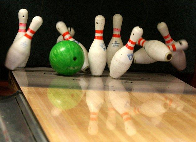 V prostorách herny Bowlingu Landek v areálu Hornického muzea OKD v Ostravě-Petřkovicích se konal 15.3.2009 turnaj jednotlivců mužů a žen v bowlingu O pohár landecké Venuše.