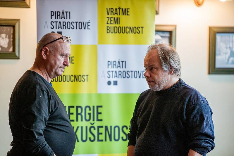 Volební štáb strany PIRÁTI+STAN, 9. října 2021 v Ostravě.