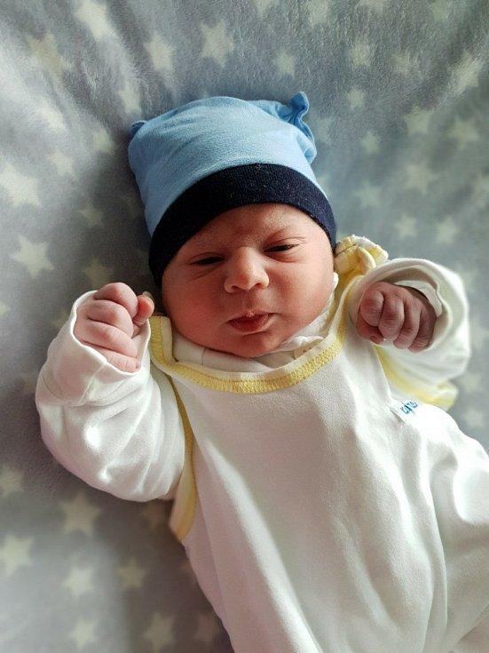 Vojtěch Kurzok, Opava, narozen 13. června 2021 v Opavě, míra 48 cm, váha 3400 g. Foto: Lucie Dlabolová, Andrea Šustková