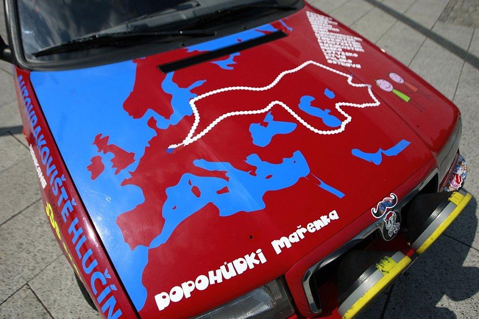 Dva měsíce trvaly přípravy Stefana Stefanova z Kopřivnice a Richarda Nemetha z Ostravy na cestu do Střední Asie a zpátky.