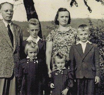 Helena Steblová smanželem a dětmi.
