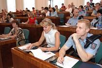 Seminář byl určen učitelům a ředitelům škol a také policistům.