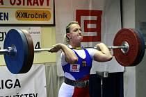 Loňský bronz ostravské vzpěračky na domácí Velké ceně přetavily ve stříbro, zlato obhájil Nový Hrozenkov s reprezentantkou Kenisovou.