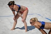 Turnaj Světového okruhu v plážovém volejbalu, 21. června 2018 v Ostravě. Na snímku (blíže) Markéta Sluková a Barbora Hermannová.