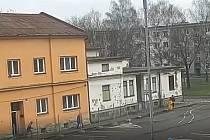 Podívejte se, jak patnáctiletý mladík loupil v Ostravě, aby měl na drogy.