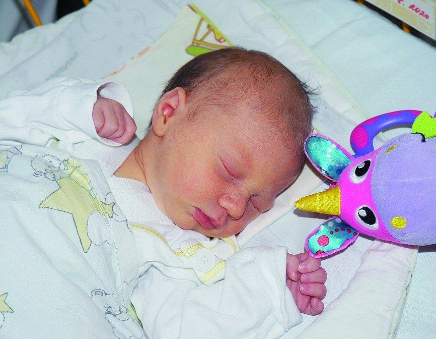 Ester Drozdová, narozena 17. 8. 2020, míra 47 cm, váha 2690 g, Čeladná. Fakultní nemocnice Ostrava.
