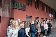 Slavnostní odhalení pamětní desky Rudolfa Tlapáka (Tlapákovo nároží) na Matičním gymnáziu, v Ostravě 28. zaří 2017.