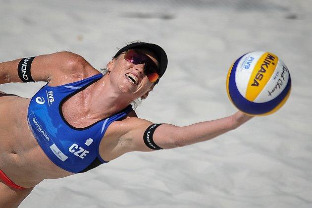 Turnaj Světového okruhu vplážovém volejbalu, 21.června 2018vOstravě. Na snímku Barbora Hermannová.