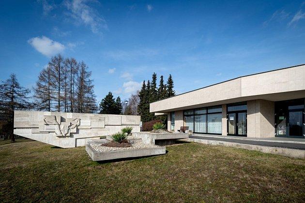 Rekonstrukce budovy hřbitova ve Slezské Ostravě může začít. Radnice přispěje osmi miliony.
