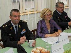 Generální ředitel vězeňské služby gen. maj. Luděk Kula, ministryně spravedlnosti Daniela Kovářová a plk. Jan Hlisník