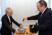 Křest uvedl do světa novou knihu o technických památkách v Ostravě