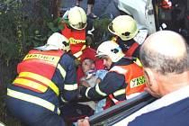 V Petřvaldu havarovali tři mladíci