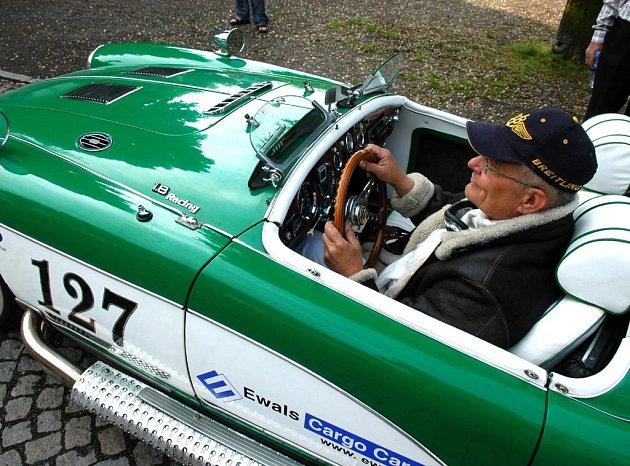 V sobotu dopoledne byla k vidění spanilá jízda historických vozidel