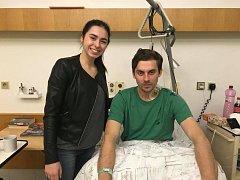 UŽ JE DOMA! Fotbalista Jan Švábík opustil v minulých dnech nemocnici a vrátil se zase mezi své nejbližší, včetně sestry Terezy. Jeho fotbalová dráha však zřejmě skončila.