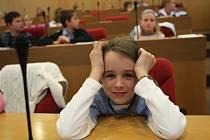 V krajském semifinále Logické olympiády své síly změřilo více než sto žáků prvního stupně základních škol a studentů středních škol.