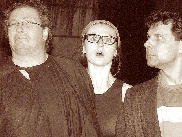 David Viktora, Lada Bělásková a Petr Houska ve hře Fantom z Morrisvillu