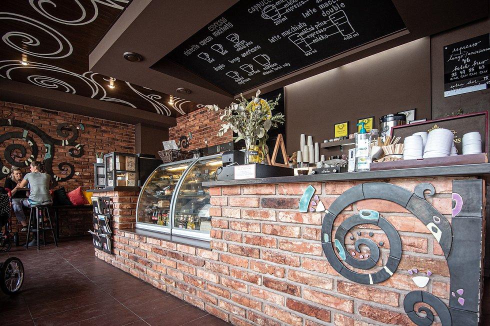 Kavárna Black Tree Cafe (U Černého stromu), 14. července v Ostravě.