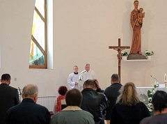 Zhruba rok po tragické nehodě tramvají nedaleko porubského koupaliště ve Vřesině, kterou nepřežili tři lidé, se  v tamním kostele svatého Antonína Paduánského uskutečnila vzpomínková ekumenická bohoslužba