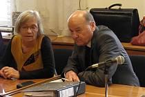 K pondělnímu jednání přišel jen Němec Gernot Karl Gross. Slovinec Elvir Sadiku by měl přijít v úterý.