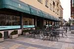 Kdysi vyhlášenou restauraci Astoria (dříve kavárna Centrum) čeká rozsáhlá rekonstrukce, kterou provede nový nájemce. Ten bude znám v polovině srpna.
