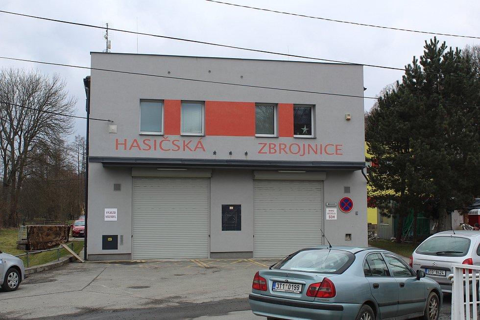 Hasičská zbrojnice v Plesné.