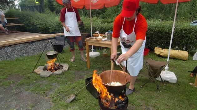 Nejlepší guláš uvařila Ely Poláčková ze Slovenska.