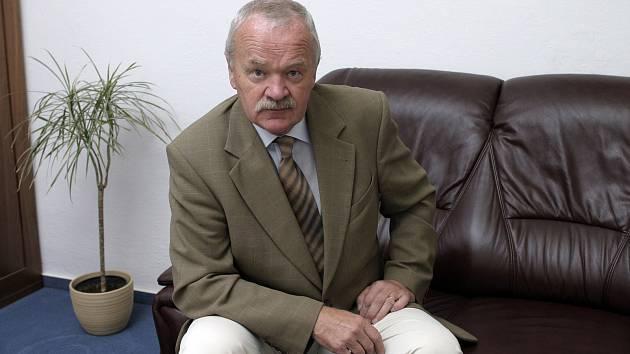 Milan Balabán v ostravské kanceláři.
