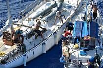 Při mezinárodní razii se podařilo na palubě jedné z lodí plujících oblastí Martiniku nalézt 1,2 tuny kokainu.