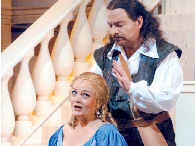 G. Zampieri a E.- Dřízgová-Jirušová v opeře Cyrano de Bergerac.