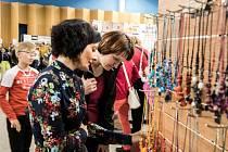 Na ostravském výstavišti Černá louka se o víkendu koná výstava Kreativ Ostrava, kde se můžete nechat inspirovat, ale také si pořídit krásné ruční výrobky nebo komponenty potřebné pro domácí výrobu.