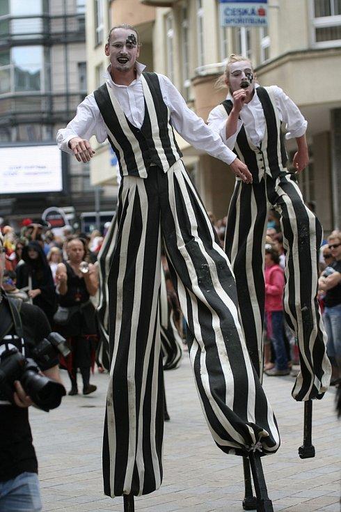 Festival v ulicích - LONG VEHICLE CIRKUS