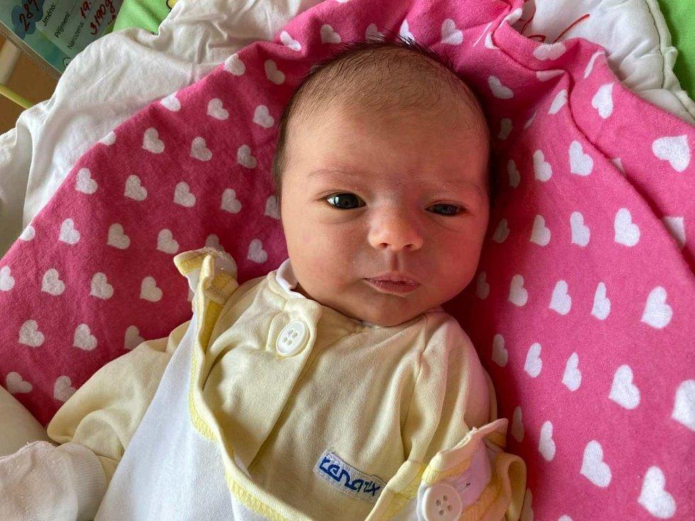Madalena Glossová, Vítkov, narozena 19. dubna 2021 v Opavě, míra 49 cm, váha 3190 g. Foto: Tereza Fridrichová