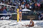 Turnaj Světového okruhu v plážovém volejbalu kategorie 4*, 6. června 2021 v Ostravě. Finálový zápas - Jolana Heidrichová, Anouk Verdeová-Depraová ze Švýcarska vs. Sarah Sponcilová (vpravo), Kelly Claesová (vlevo) z USA.