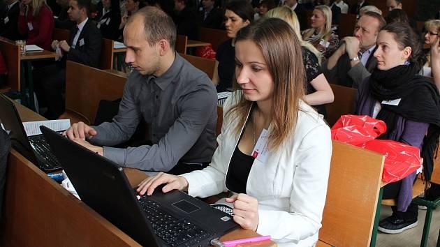 Pohled na účastníky konference MEKON 2014