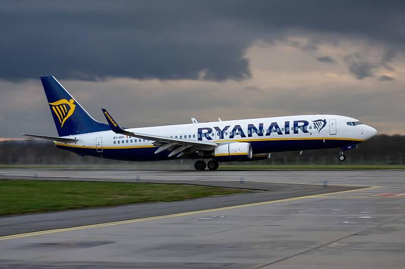 Letadlo společnosti Ryanair. Ilustrační foto