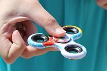 """U dětí """"frčí"""" nová hračka: spinner. Ilustrační foto."""