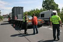 Policisté zadrželi notně přetížený polský kamion bez řádných povolení.