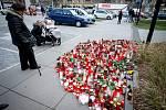 Den třetí po střelbě ve Fakultní nemocnici Ostrava (FNO), 12. prosince 2019 v Ostravě. Na snímku pientní místo před budouvou nemocnice.