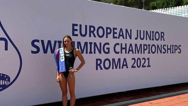 Premiéru na MEJ v Římě má za sebou plavkyně KPS Ostrava Natálie Tužilová. V závodě na 50 metrů motýlek jí semifinále uniklo o pouhou setinu vteřiny.