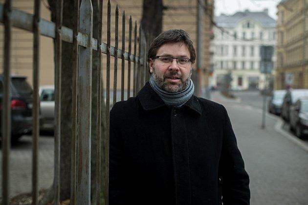 Marek Síbrt (tiskový mluvčí SMVAK) při fotografování pro Deník, leden 2019vOstravě.