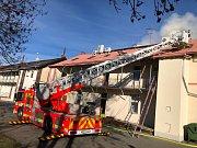 Požár střešní konstrukce v Ostravě, městské části Mariánské Hory.