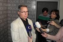 Libor Šustek z ostravské policie informoval o zadržení muže, který má na svědomí sérii vloupání do bytů v Ostravě a Liberci.