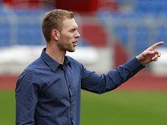 Trenér fotbalistů Vítkovic Roman West.