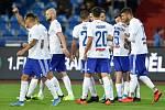 Fotbalisté Baníku uctí při utkání se Spartou památku obětí střelby ve fakultní nemocnici v Ostravě.