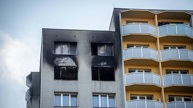 V Bohumíně zemřelo při požáru 11 lidí. Někteří při něm vyskakovali z 11. patra