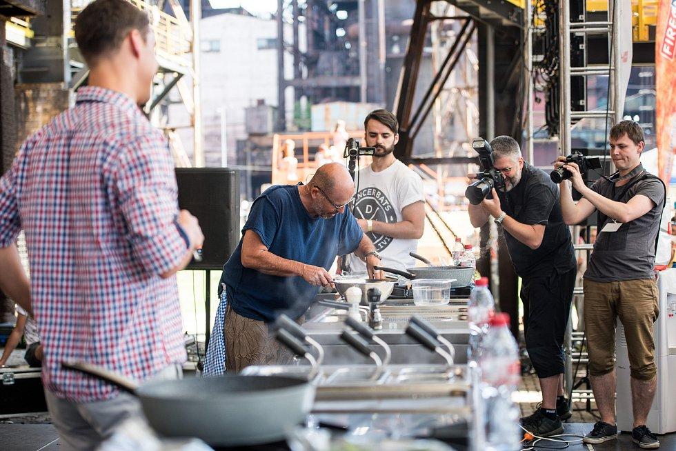 Kulinářský festival přilákal tisíce lidí, kteří si mohli vybrat z nepřeberného množství jídla.