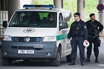 Okresní soud v Ostravě rozhoduje o vazbě pro sedm obviněných v kauze šéfky kabinetu premiéra Jany Nagyové.