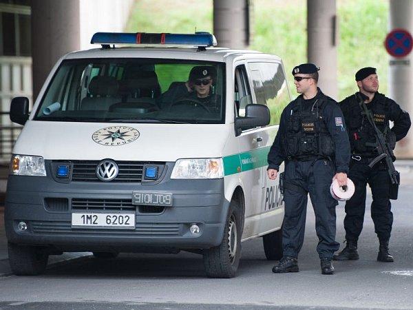 Okresní soud vOstravě rozhoduje ovazbě pro sedm obviněných vkauze šéfky kabinetu premiéra Jany Nagyové.